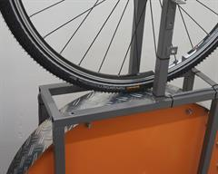 Continental Top Contact Winter II Touring/E-Bike tire on a rolling resistance test machine