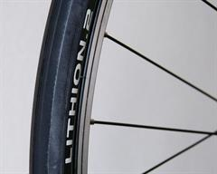 Michelin Lithion 2 road bike tire on a rolling resistance test machine