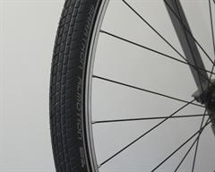 Schwalbe Marathon Almotion Touring/E-Bike on a rolling resistance test machine