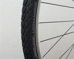 Schwalbe Marathon Mondial Evo Touring/E-Bike on a rolling resistance test machine