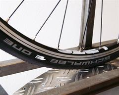 Schwalbe One V-Guard on a rolling resistance test machine