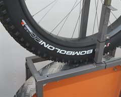 Vittoria Bomboloni TNT fat bike tire on a rolling resistance test machine