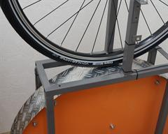 Vittoria Voyager Hyper Touring/E-Bike tire on a rolling resistance test machine